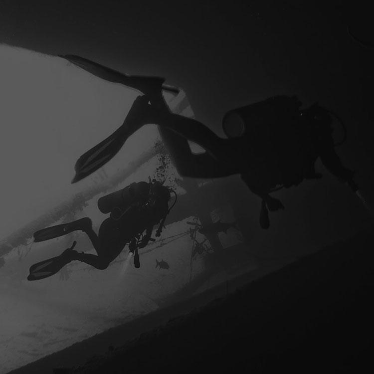 underwater grigio